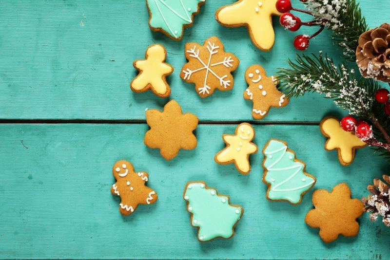 gingerbread cookies christmas trees - make christmas magical withouth spending a dime